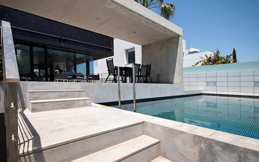 Magnificent luxury house on the beach of Granada